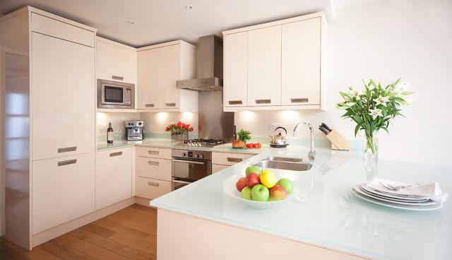 现代简约开放式厨房,佛山装修设计.jpg